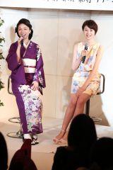 (左から)島谷ひとみ、鈴木ちなみ=アルバム『本日、都内、某所』発売記念イベント