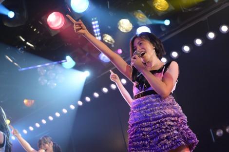 まりりが劇場デビューとなったAKBチーム4「アイドルの夜明け」公演の模様 (C)AKS