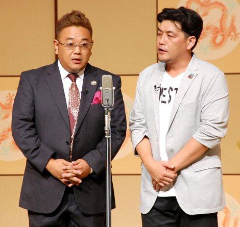 『平成26年度 漫才新人大賞』に登壇したサンドウィッチマン(左から)伊達みきお、富澤たけし (C)ORICON NewS inc.