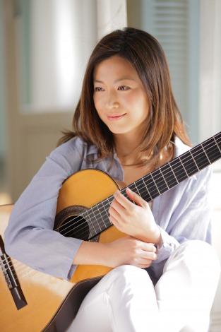 サムネイル 一般男性との結婚を発表したギタリスト・村治佳織