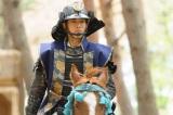 秀吉軍の驚異的な逆転劇「中国大返し」を描く第30回(7月27日放送)松坂桃李の騎乗姿にも注目(C)NHK