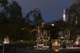 全面リニューアルした「毛利 Salvatore Cuomo」(東京・港区) 毛利庭園や東京タワーを眺めることができるテラス席