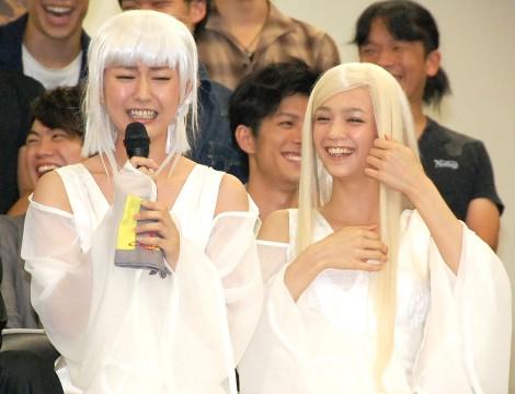 舞台『MOON SAGA-義経秘伝-第二章』発表会に出席した(左から)黒田有彩、初音 (C)ORICON NewS inc.