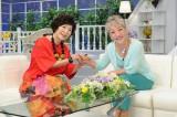 テレビ東京の伝説のトーク番組が27年ぶりに復活。8月9日放送、BSジャパン『ミエと良子のおしゃべり泥棒RETURNS』に出演する中尾ミエ(右)、森山良子(左)(C)BSジャパン