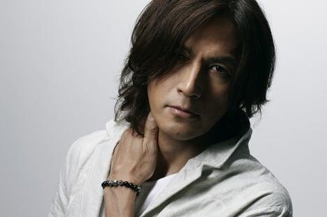 稲葉浩志が自身の公式サイトで新曲「Saturday」の配信&MV公開をスタート
