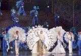 NHK『思い出のメロディー』では東京宝塚劇場から雪組のパフォーマンスを放送(C)宝塚歌劇団