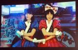 『あまちゃん』内ユニット「潮騒のメモリーズ」(左から)橋本愛、能年玲奈 (C)ORICON NewS inc.