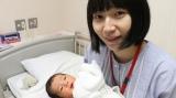 第1子を出産したF2の鈴川絢子