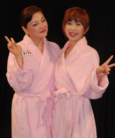 林寛子(左)と大場久美子(右)のお笑いコンビ『○1○2』が1回戦突破! (C)ORICON NewS inc.