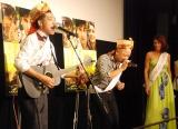 どぶろっくのネタを見守るLiLiCo=インド映画『バルフィ!人生に唄えば』公開記念トークイベント (C)ORICON NewS inc.