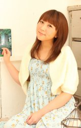 ブログで結婚報告した声優の生天目仁美