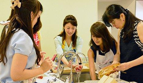 サムネイル 発酵食品を使った女性限定の料理イベントを開催したタレントの川村ひかる (C)oricon ME inc.