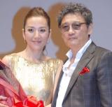 結婚後初2ショットを披露した萩原健一(右)&リカ夫妻 (C)ORICON NewS inc.
