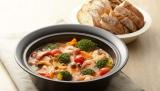 簡単に鍋料理が作れる『おふたりさま 電子レンジ土鍋』
