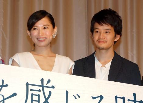 映画『海を感じる時』完成披露試写会に出席した(左から)市川由衣、池松壮亮 (C)ORICON NewS inc.