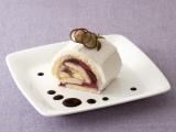 『ぶどうとブルーベリームースのロールケーキ』(税込713円)