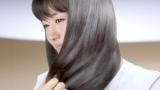 艶やかな美髪を披露