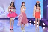 『神戸コレクション2014 AUTUMN/WINTER』に下着ブランド「ワコール」のショーに登場した(左から)石田ニコル、中村アン、浦浜アリサ