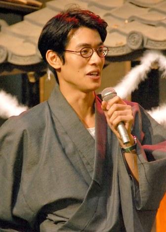 NHK連続テレビ小説『花子とアン』クランクアップ取材会に出席した中島歩 (C)ORICON NewS inc.