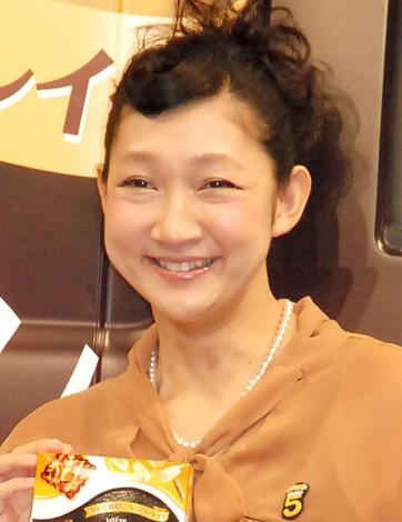 サムネイル 生放送で妊娠5ヶ月を報告した北陽・虻川美穂子 (C)ORICON NewS inc.