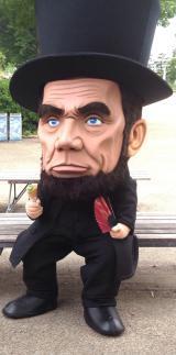 ゆるキャラ界に黒船襲来!!「わたしがビッグリンカーンだ」