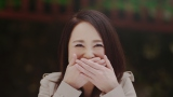 """日光東照宮の神厩舎の彫刻""""三猿""""「言わざる」のポーズを真似した松田聖子"""