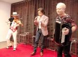 アルバム収録曲「Love Hat Trick」を披露 (C)ORICON NewS inc.