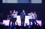 『WINNER 1st JAPAN TOUR 2014』初日公演の模様(左から)イ・スンフン、ナム・テヒョン、ソン・ミンホ、カン・スンユン、キム・シ?ヌ