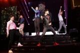 『WINNER 1st JAPAN TOUR 2014』初日公演の模様(左から)ナム・テヒョン、ソン・ミンホ、キム・シ?ヌ、カン・スンユン、イ・スンフン