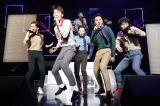 『WINNER 1st JAPAN TOUR 2014』初日公演の模様(左から)ナム・テヒョン、イ・スンフン、キム・シ?ヌ、ソン・ミンホ、カン・スンユン