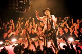 12月23日に念願の男性限定ライブを行う福山雅治(写真は男性限定ライブ形式で撮影した「GAME」のMVより)