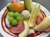 豪華フルーツと一緒にクレープが味わえる「食べ放題プラン」