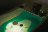 『プロジェクション バスアロマ YURA(ユラ)』 魚や亀の泳ぐ海を表現した「オーシャン」 使用イメージ
