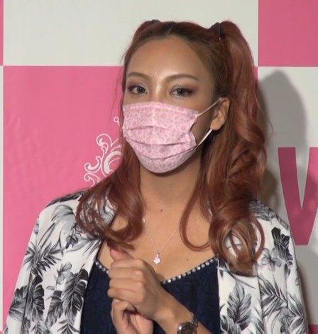 15.マスクの安室奈美恵