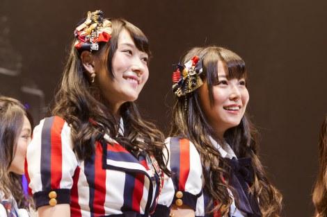 NMB48の10枚目のシングルでWセンターを務める(左から)矢倉楓子、白間美瑠 (C)NMB48