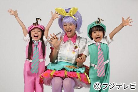 西内まりやがフジテレビ系新音楽番組『どぅんつくぱ〜音楽の時間〜』にお姉さん役で出演
