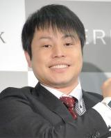 ソフトバンクモバイル新商品PRイベントに出席したNON STYLE・井上裕介