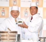 親子でイベント初共演を果たした(左から)笑福亭鶴瓶&駿河太郎 (C)ORICON NewS inc.