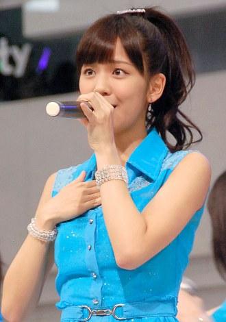 5thシングル「背伸び/伊達じゃないよ うちの人生は」発売記念イベントを行ったJuice=Juice・宮崎由加