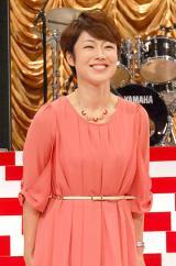 上品なピンクの衣装で会見に出席した有働由美子アナウンサー (C)ORICON NewS inc.