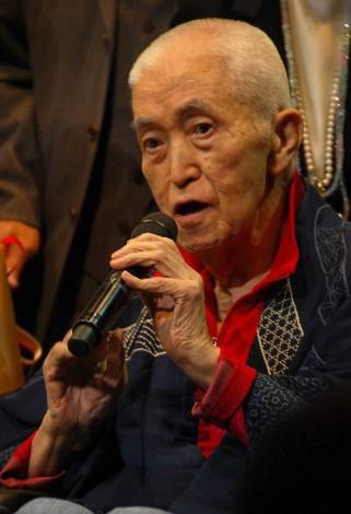 加藤登紀子の歌手活動50周年記念パーティーに駆けつけた永六輔 (C)ORICON NewS inc.