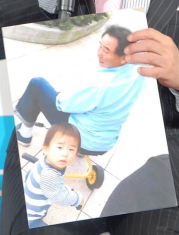 孫とのプライベートショットを披露した東尾修=『イクメン オブ ザ イヤー 2014』授賞式 (C)ORICON NewS inc.