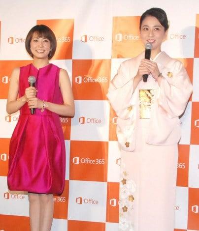 3年半ぶりに公の場に登場した小林麻央(右)と姉の小林麻耶(左)=日本マイクロソフト『New Office』発売記念イベント (C)ORICON NewS inc.
