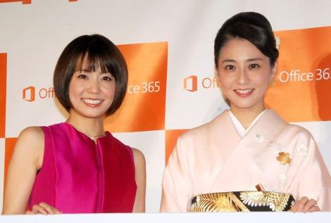 3年半ぶりに公の場に登場した小林麻央(右)と姉の小林麻耶(左) (C)ORICON NewS inc.