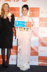 日本マイクロソフト『New Office』発売記念イベントに出席した小林麻央 (C)ORICON NewS inc.