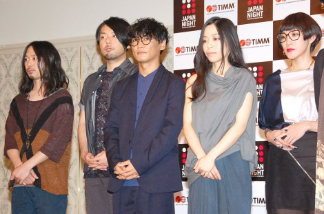音楽イベント『JAPAN NIGHT in TIMM』記者会見に出席したサカナクション(左から)岩寺基晴(G)、江島啓一(Dr)、山口一郎(Vo, G)、草刈愛美(B)岡崎英美(Key) (C)ORICON NewS inc.