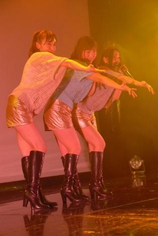 デビューライブを行ったGirls Beat!!(ガールズビート)(左から)加護亜依、喜多麗美、姫乃稜菜(C)ORICON NewS inc.