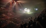 第二夜は1万8000人が詰めかけた
