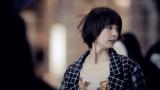 AKB48の38thシングル「希望的リフレイン」MVに出演する篠田麻里子