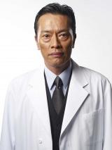 「海老名」と聞いて思い浮かべるのは…東名高速のSA? それとも遠藤憲一演じる海老名外科部長?(C)テレビ朝日